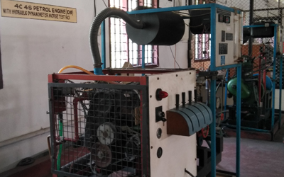 Four stroke four cylinder petrol engine test
