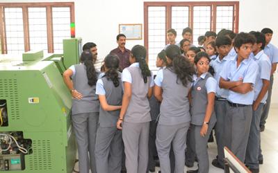 School students visit – demonstrating CNC working