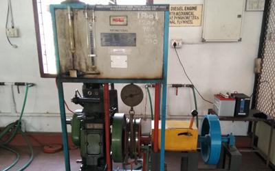 Single cylinder 4 stroke diesel engine with rope brake dynamometer